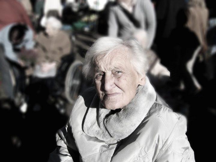 Opieka nad starszą osobą we własnym zakresie