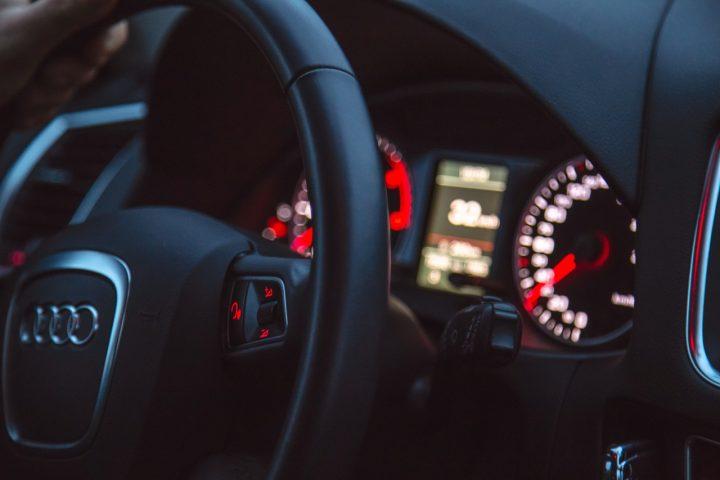 W jaki sposób wypożyczyć auto na kilka godzin?