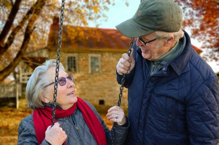 Mężczyźni 60+, dziadkowie, wdowcy – Wam także wolno kochać!