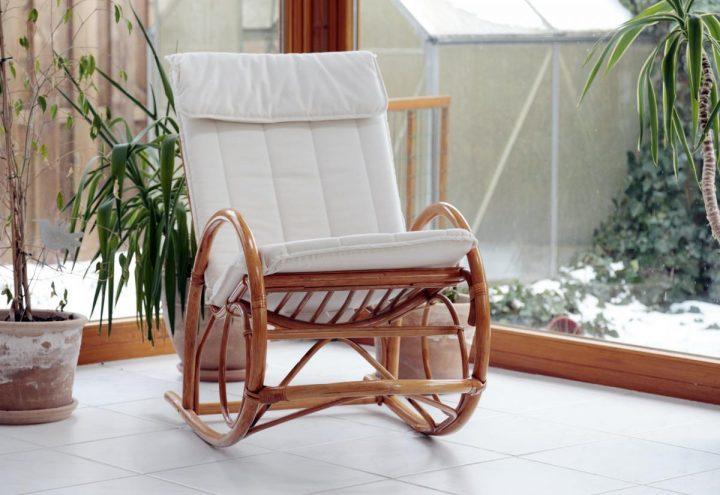 Fotel bujany – dlaczego warto go mieć?
