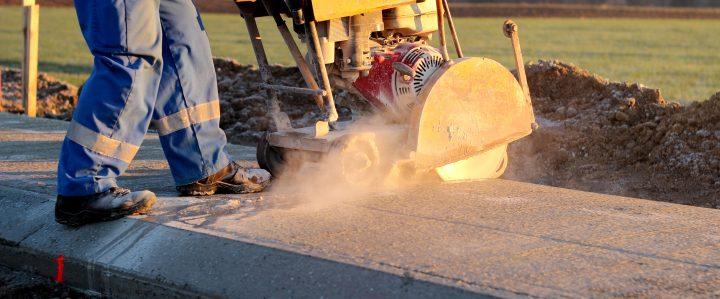 Czym kierować się wybierając śrutownice i szlifierki do betonu?