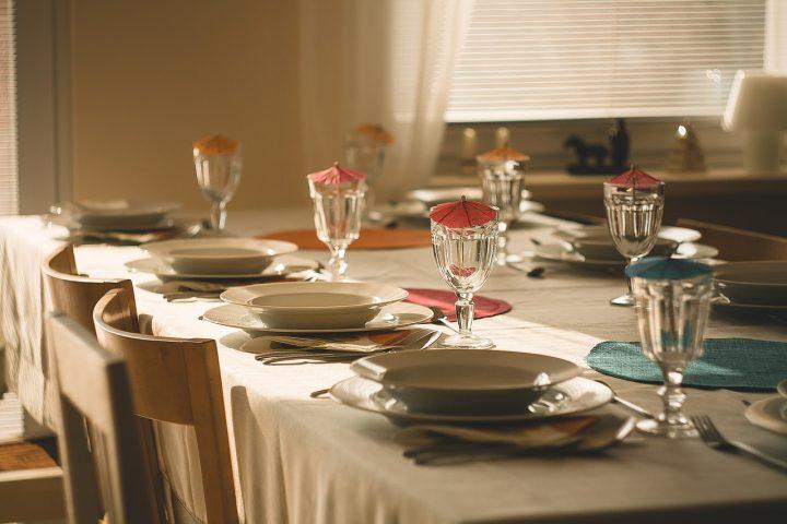 Catering na imprezę rodzinną – wady i zalety