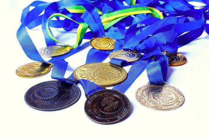 Z jakich okazji warto wręczać medale okolicznościowe?