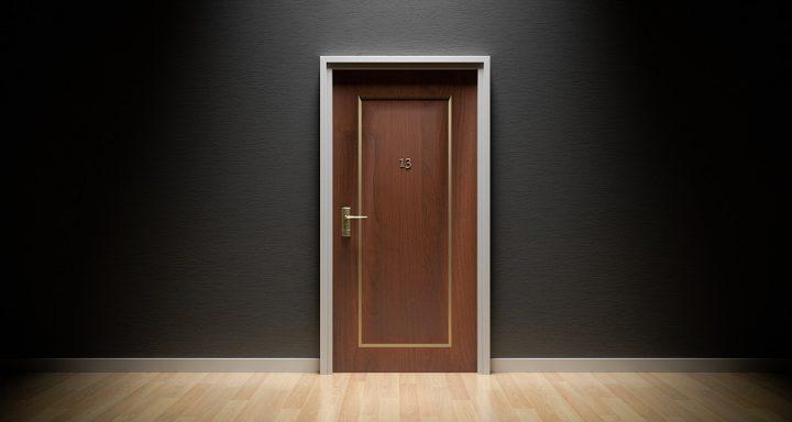 Mata wejściowa przed drzwi
